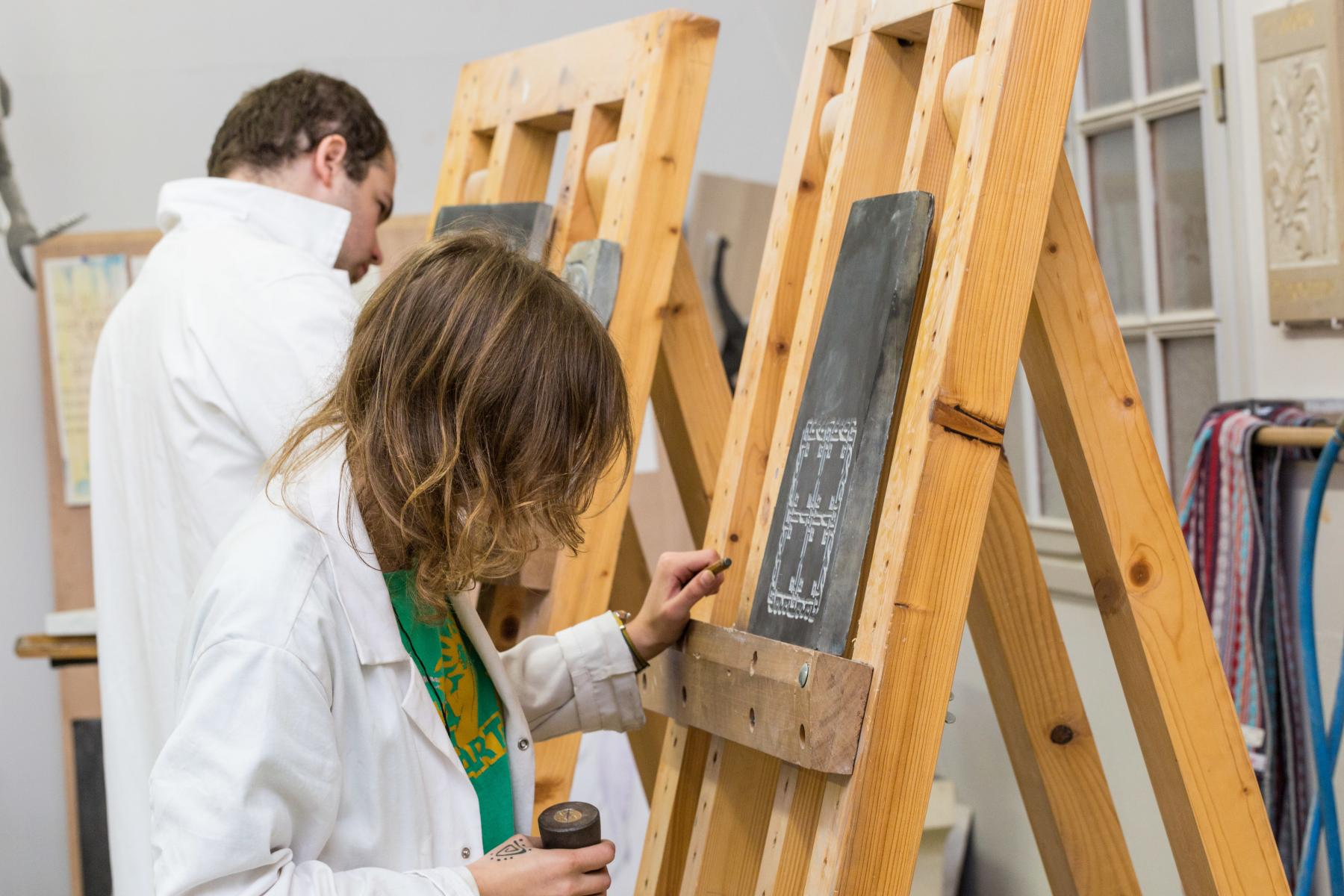 trainees learn stone engraving skills with GIP FCIP l'Académie de Caen